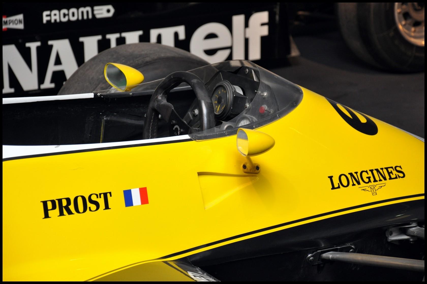 Mulhouse: La Cité de l' automobile, the largest car museum in the world. Renaul10