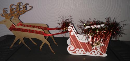 montrez nous vos décos de Noel (sapins décos creches...etc) siouplait  Img_2012