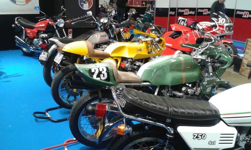 EXPO 6 Cylindres - salon Moto Legende 2015  20151112