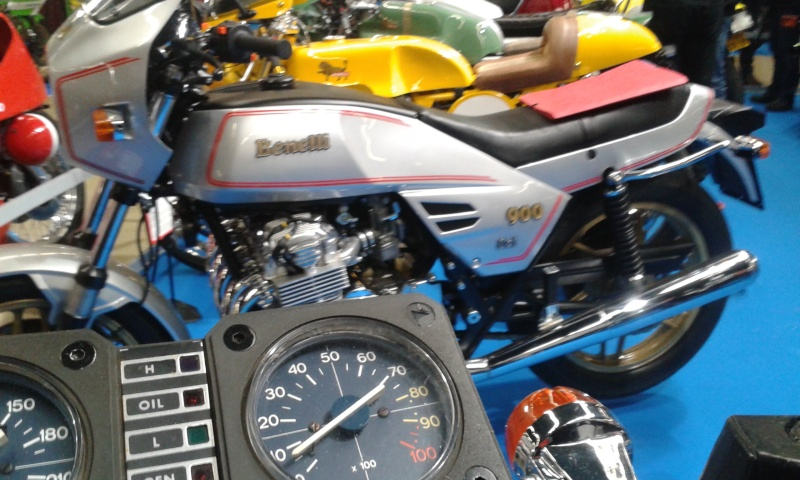EXPO 6 Cylindres - salon Moto Legende 2015  20151113