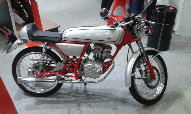 EXPO 6 Cylindres - salon Moto Legende 2015  20151116