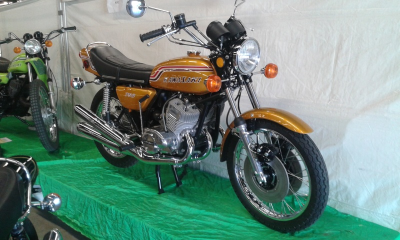 EXPO 6 Cylindres - salon Moto Legende 2015  20151119