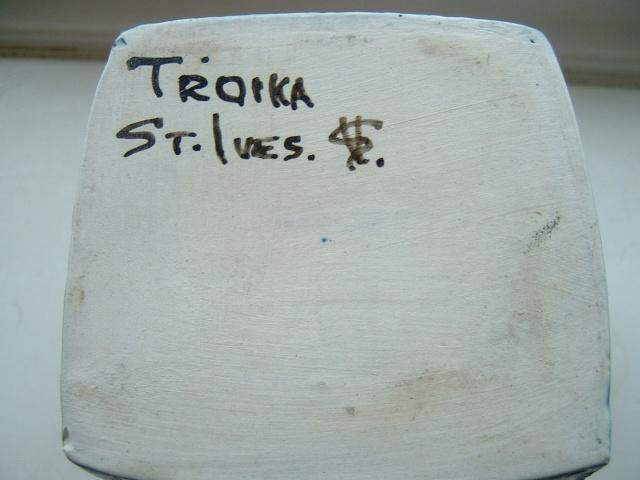Troika Pottery - Page 4 Shep_012