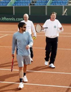 Davis    Cup 10197411