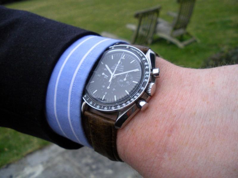 Aidez mon frère à trouver sa nouvelle montre. Dscn1210