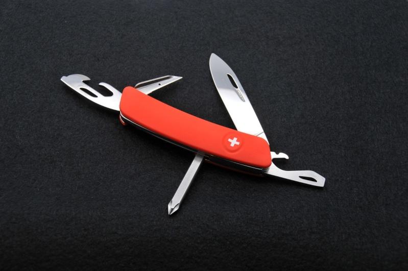 Mes premiers couteaux Swiza 04-d0410