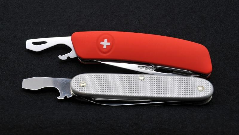 Mes premiers couteaux Swiza 10-dec10