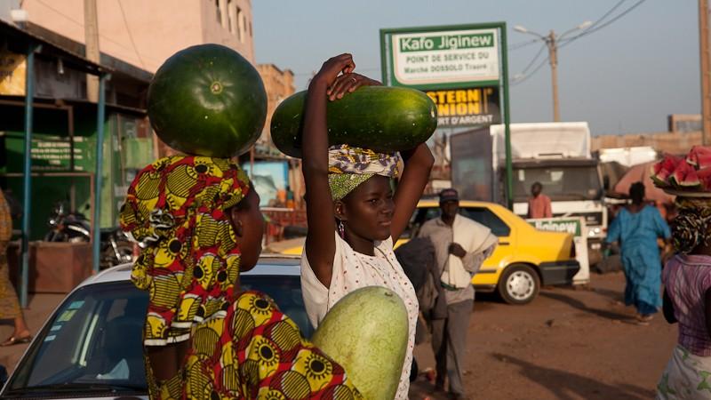 11-Bamako le marché de Médine Marcha13