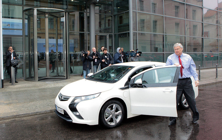 2011 - [Opel] Ampera - Page 2 27748_11