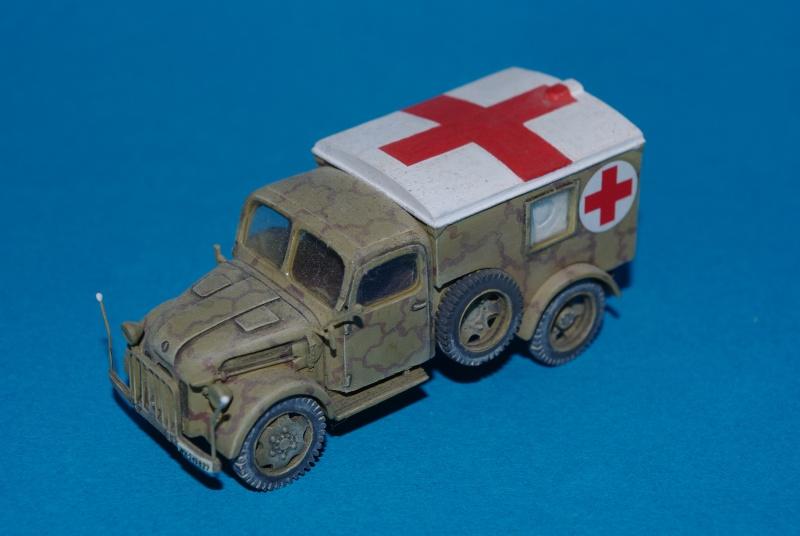 Steyr 1500 A ambulance ALBY 1/72 eme Imgp2213