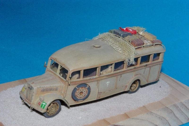 Bus Opel Blitz ( résine ALBY  ) Imgp2911