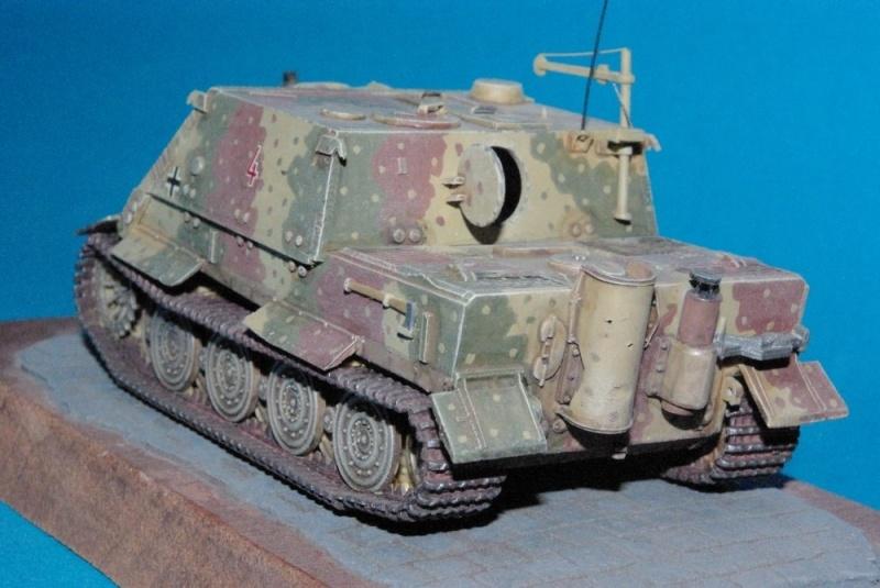 Sturmtiger 38 cm ( chassis Revell-casemate en scratch 1/72eme ) Imgp2925