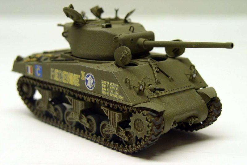 Sherman M4 A3 76mm Wet Dragon 1/72eme Sherma13
