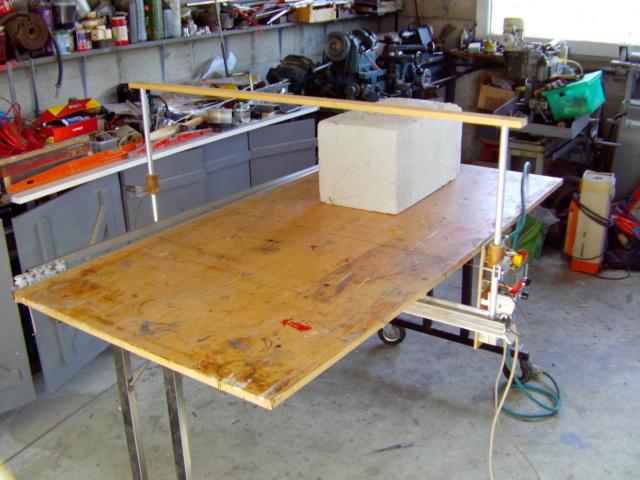 La machine à couper de grosses épaisseurs de polystyrène, syrodur, sytorfram ...... Imag0081