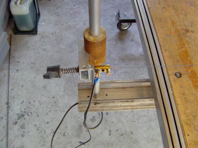 La machine à couper de grosses épaisseurs de polystyrène, syrodur, sytorfram ...... Imag0083