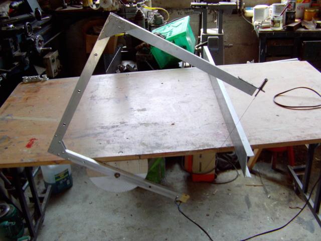 La machine à couper de grosses épaisseurs de polystyrène, syrodur, sytorfram ...... Imag0090