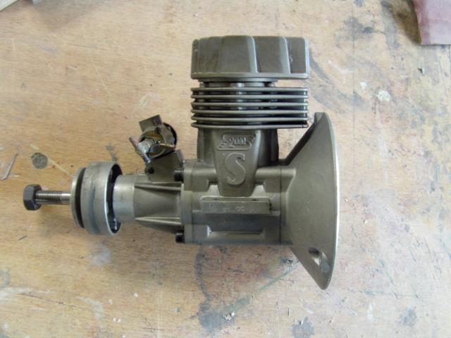 Modification d'un moteur méthanol en moteur à essence ! Imag0174