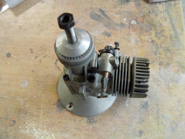 Modification d'un moteur méthanol en moteur à essence ! Imag0175