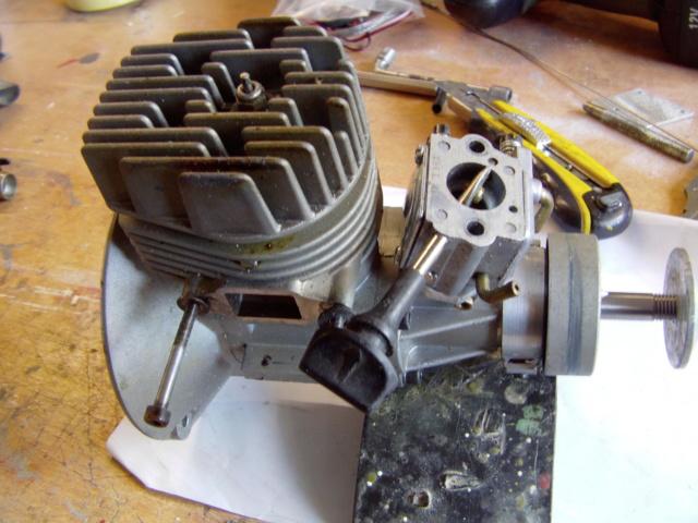 Modification d'un moteur méthanol en moteur à essence ! Imag0193