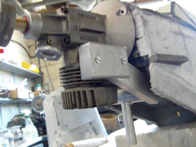 Modification d'un moteur méthanol en moteur à essence ! Imag0197