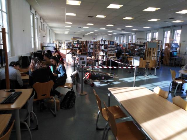 La semaine de la science organisée par le Lyceé Gay Lussac ; Img_2023