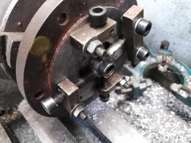 Suite de la transformation d'un moteur méthanol. Img_2044