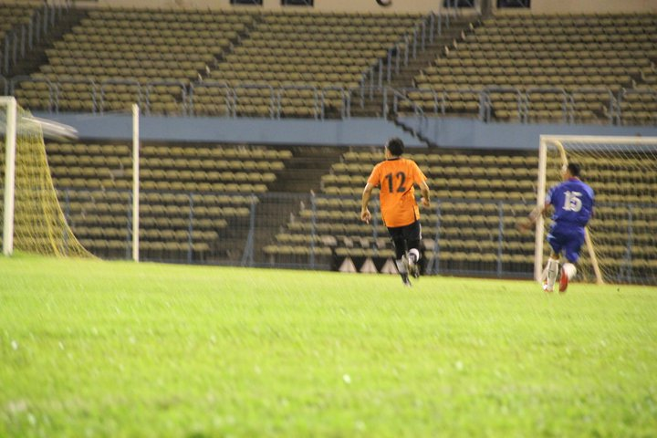 Main Bola MALAM di Stadium Likas 23 Dis 2010 1010