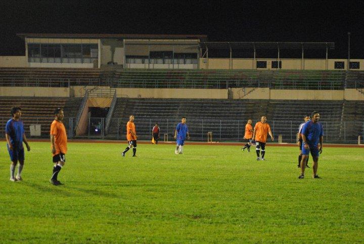 Main Bola MALAM di Stadium Likas 23 Dis 2010 210