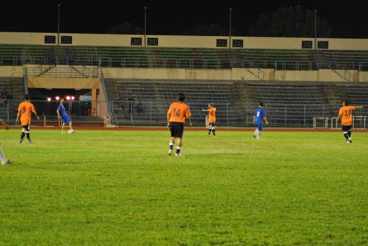 Main Bola MALAM di Stadium Likas 23 Dis 2010 810