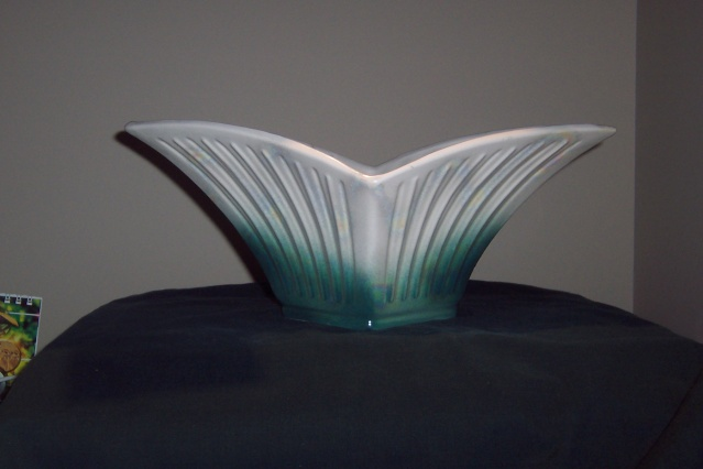 "477 ""diamond Vase"" and the 397 5"" crocus vase 477_3910"
