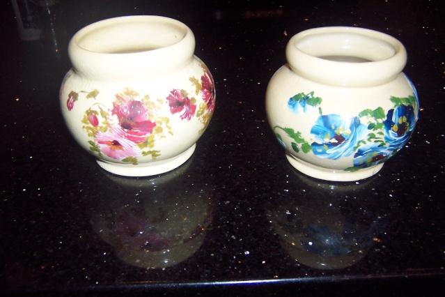 Harwyn Pottery painted Ambrico glazed ware. Flower10