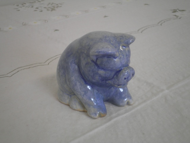 A Blue Piggie from Manos Manos_41