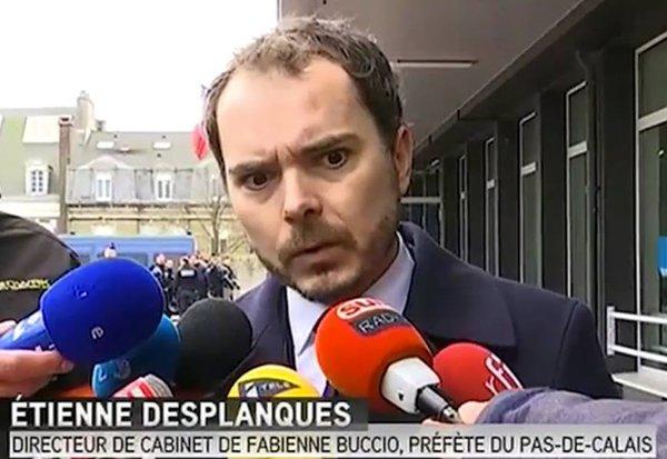 VOLTE FACE de la POLICE CALAISIENNE deux poids, deux mesures: répréssion manifestation contre invasion Calais par les immigrés Catm3l10