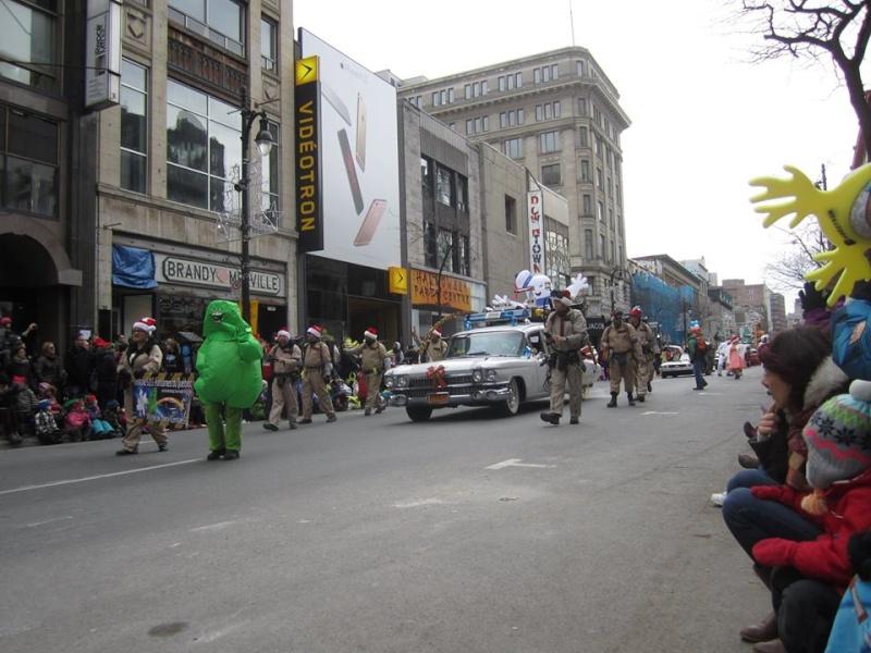Défilé du pere Noel a Montreal  11988710