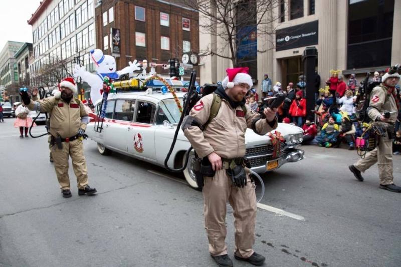 Défilé du pere Noel a Montreal  12243010