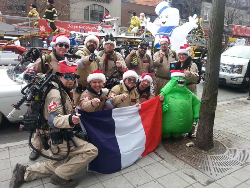 Défilé du pere Noel a Montreal  12243110