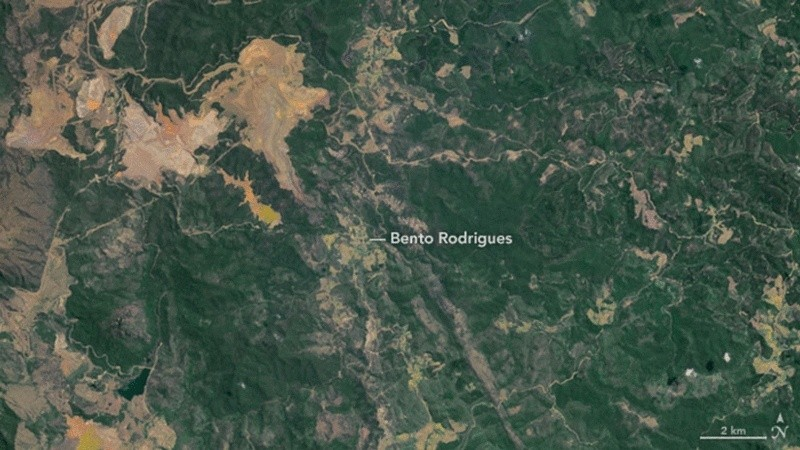catastrophe écologique au Bresil après coulée de boue toxique  Floodi11