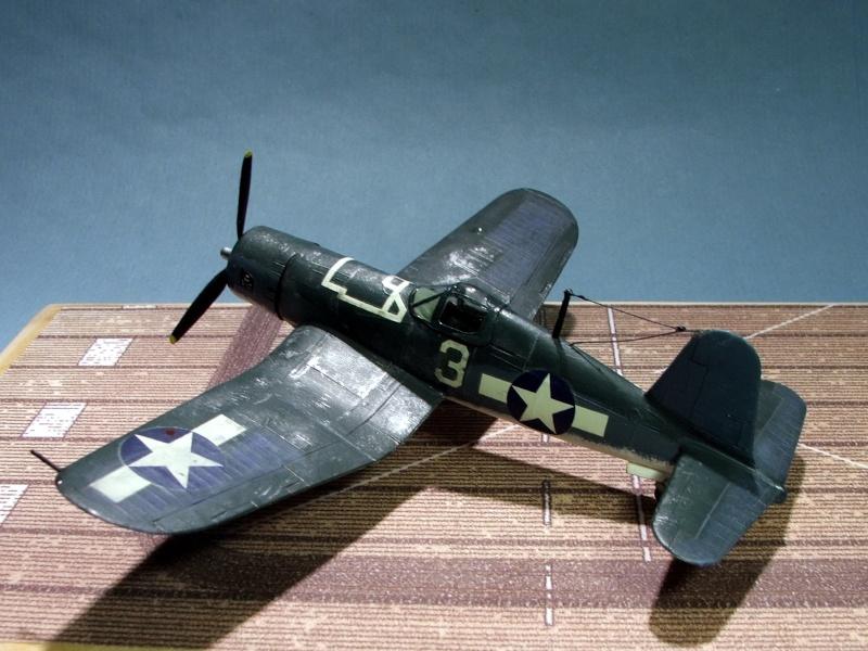 [Heller] F4U Corsair F4u0110