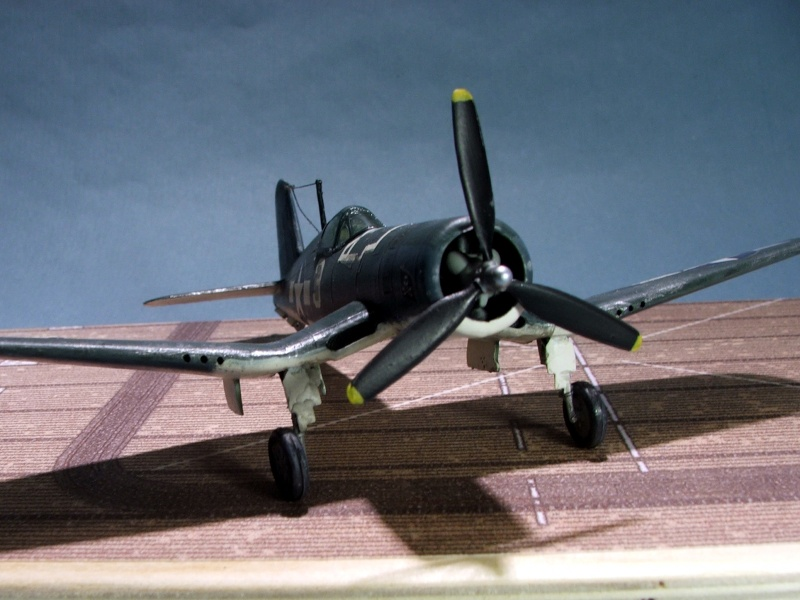 [Heller] F4U Corsair F4u0510