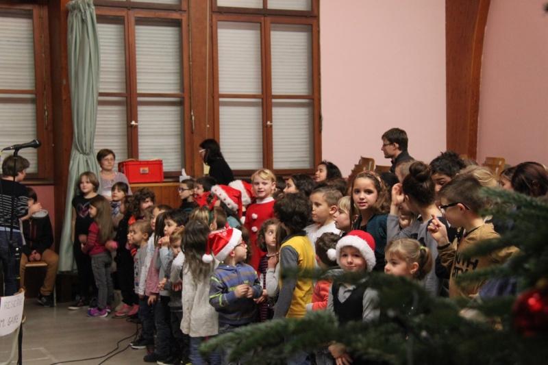 Fête de Noël des écoles de Wangen,  18 décembre 2015 Img_1617