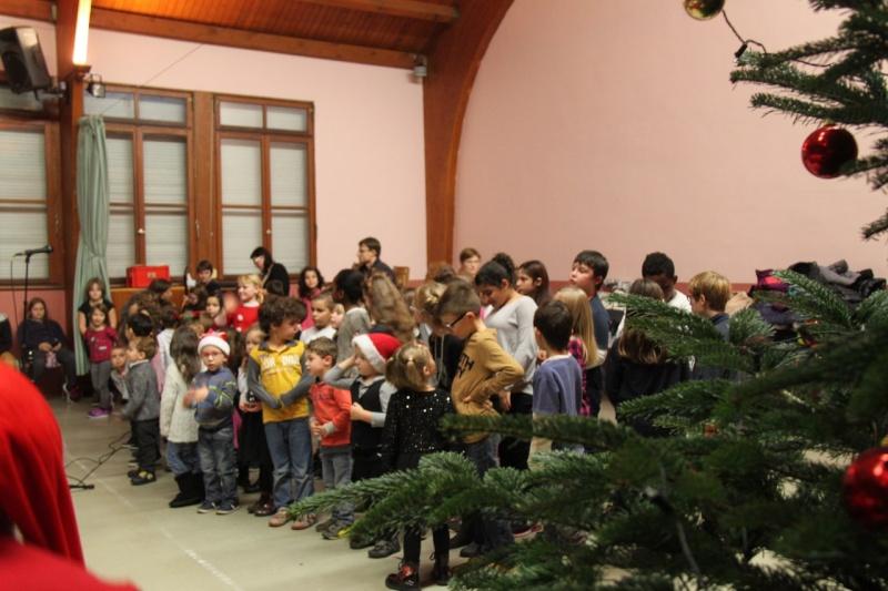 Fête de Noël des écoles de Wangen,  18 décembre 2015 Img_1618
