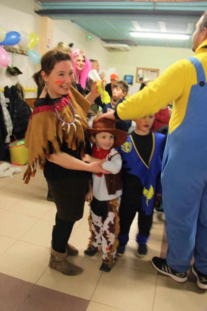 Carnaval des enfants à Wangen, mardi 9 février 2016 à 15h Img_2155