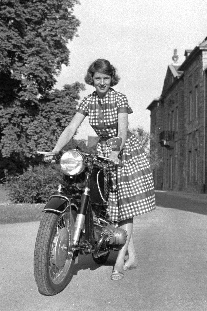 Anke Eve Goldmann, la femme en cuir Anke310