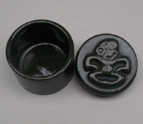 Ngakura Tiki trinket box Dscf2625