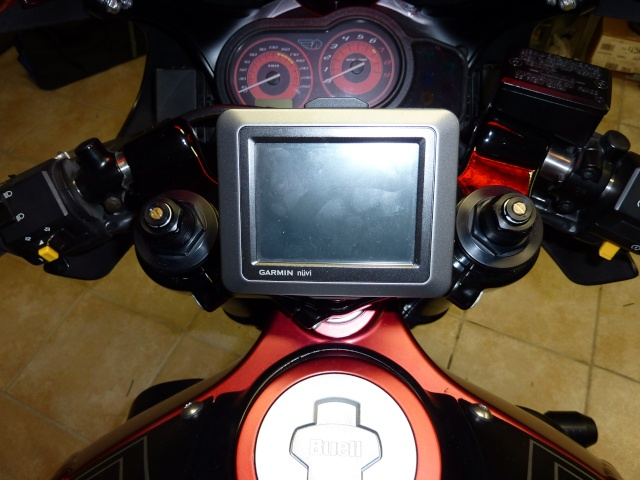 Support GPS pour XB12R P1000132