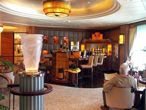 "Cunard Fashions - ""Real"" Photos 24772710"