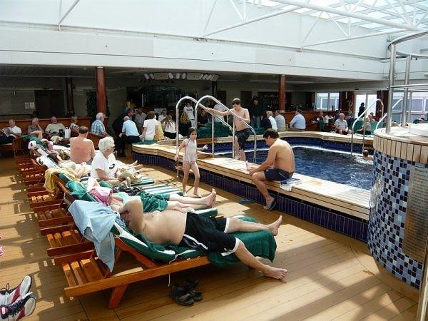 "Cunard Fashions - ""Real"" Photos 25245010"