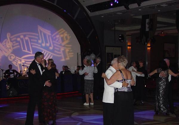 "Cunard Fashions - ""Real"" Photos 29775010"