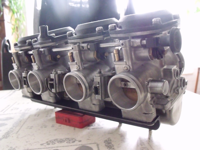 sauvetage et transformation d'un 750 gpz de 1982 Dscf9812