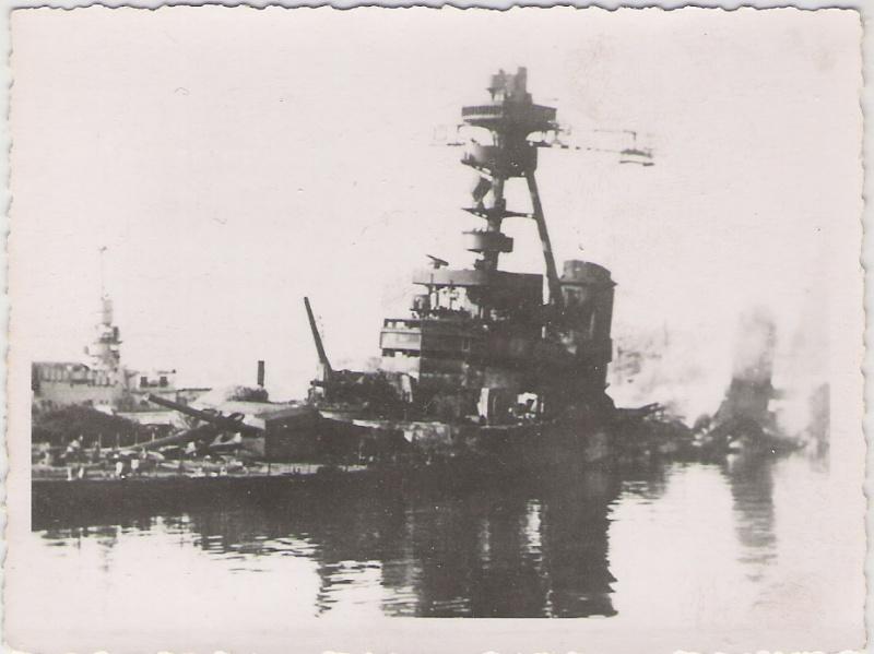 TOULON 27 NOVEMBRE 1942. Le_col10